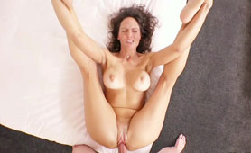 Fit Married Mature Mom Offers First Time Hard Anal Fucking